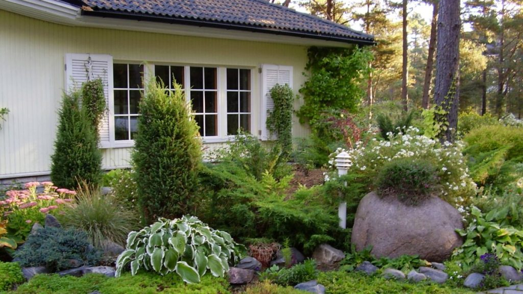 Home and Garden deals with Deal Locators